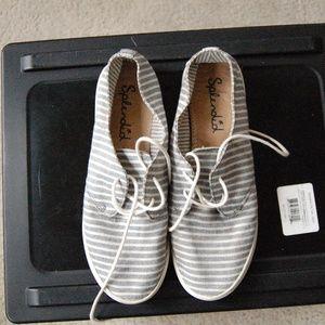 Splendid Flat Tennis Shoes